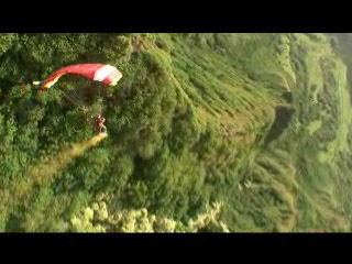 Skydiving ridge swooping on Oahu